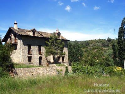TURISMO VERDE HUESCA. Casa Espantabrujas de Santa Cruz de la Seros.